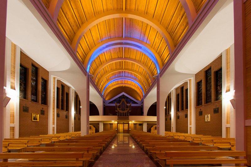 Lightingpl Niestandardowe Oświetlenie Kościoła W Brodnicy